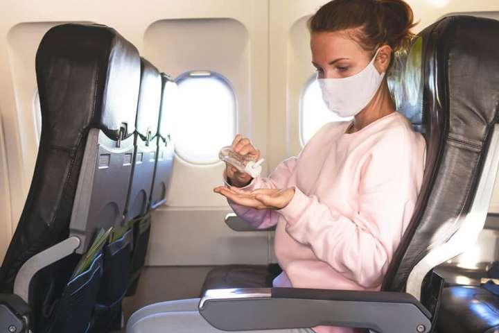 У США розвернувся літак через те, що пасажири відмовлялись одягати маски