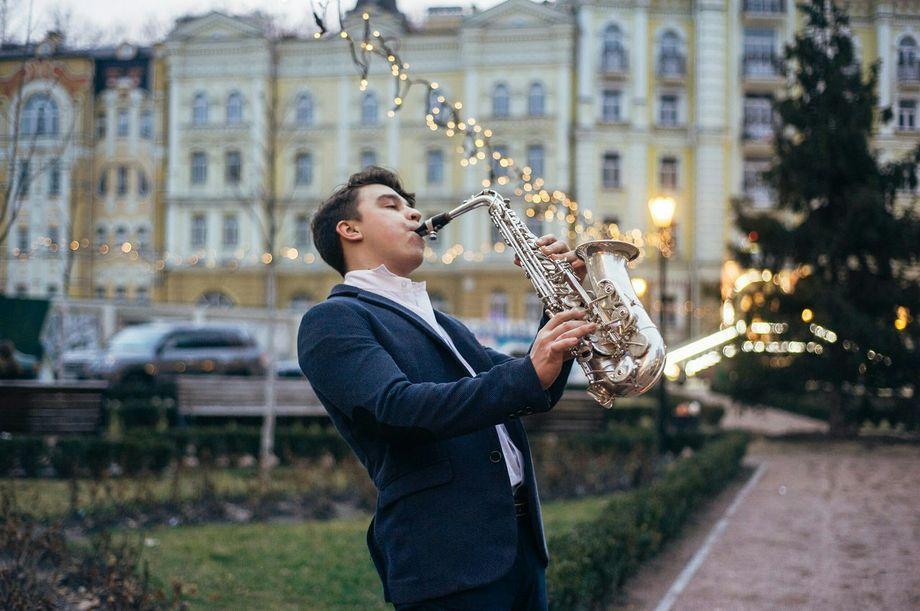 Українець посів перше місце у світовому конкурсі серед саксофоністів (Відео)