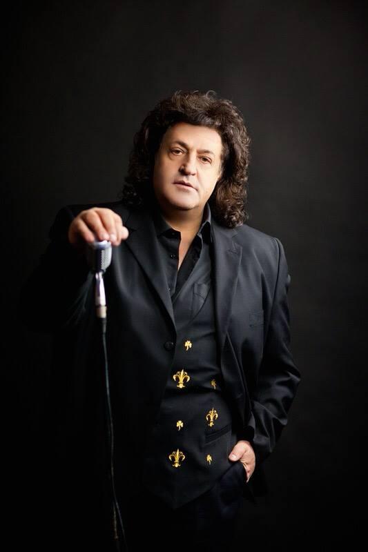 Відомий український співак втратив одразу двох близьких людей, які померли від коронавірусу