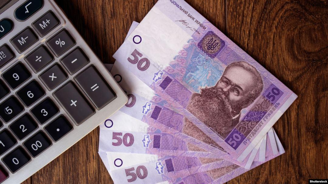 Більше ніж 5 мільйонів українців живуть та працюють за межами рідної країни.