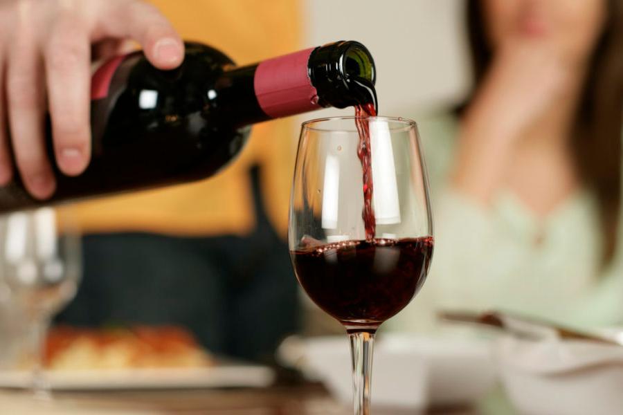 Вино допомагає при коронавірусі