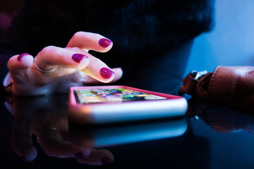 У Канаді створили мобільний додаток, який захищатиме людей від коронавірусу