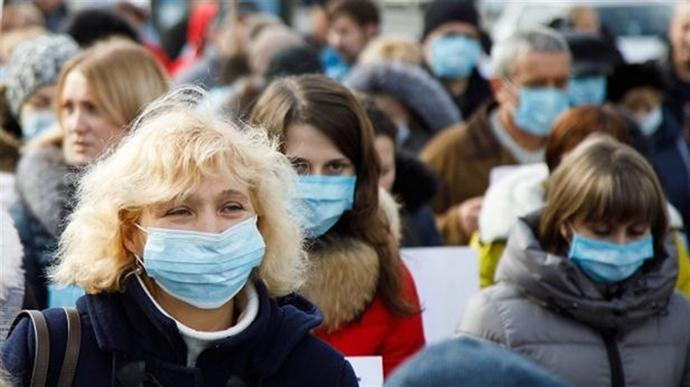 Українці більше бояться втратити роботу, ніж захворіти на коронавірус