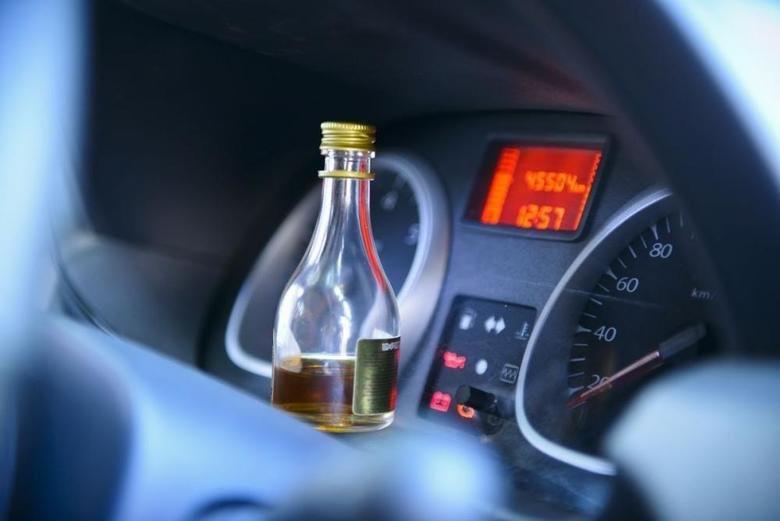 Найбільше занепокоєння в українців викликають наркомани, п'яні водії та хулігани