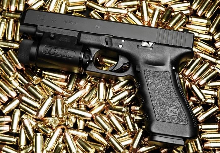 У США звинувачують українця у нелегальному експорті зброї