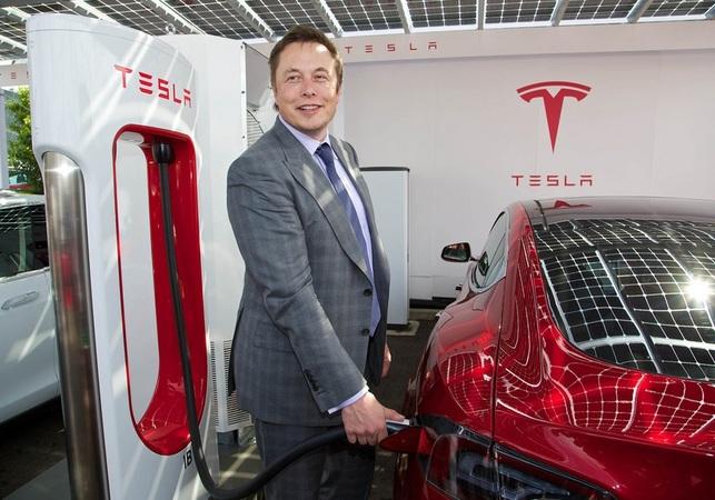 Tesla не має наміру будувати в Україні зарядні станції Supercharger щонайменше до 2022 року