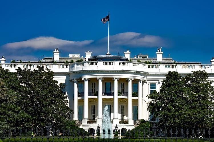 Президент України підготував новому президенту США спеціальне прохання
