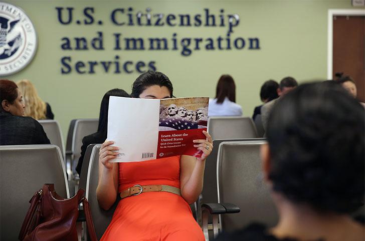 З першого грудня у США впроваджують нові правила для набуття американського громадянства