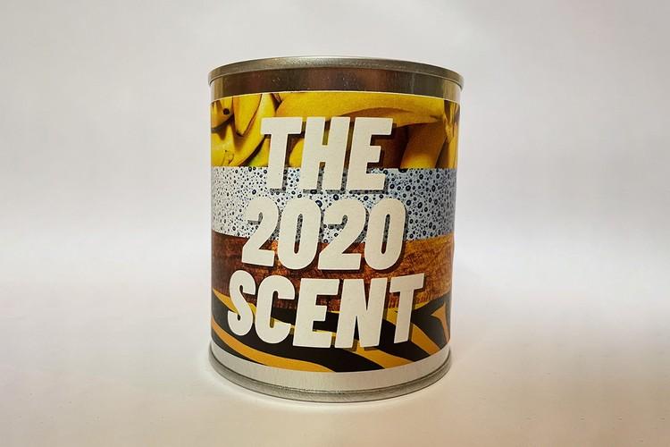 У Британії запустили у продаж свічку із запахом 2020 року