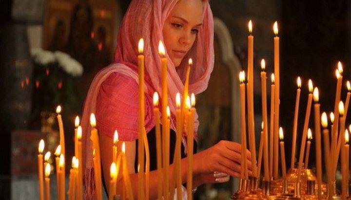 В Україні хочуть обмежити кількість людей у храмах