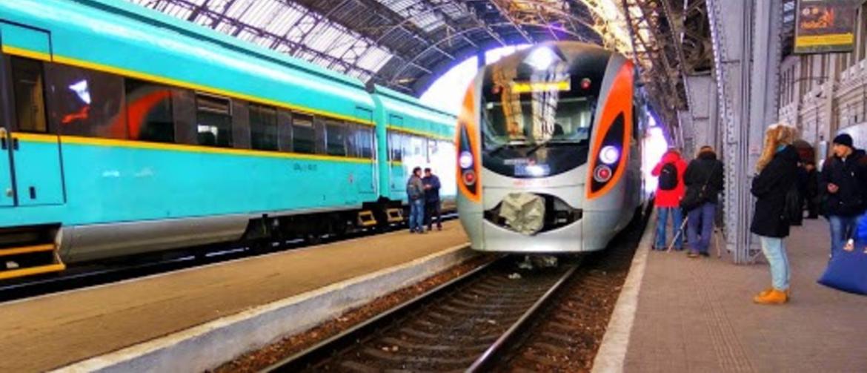 Українська компанія запропонувала 2-поверхові купе поїздів