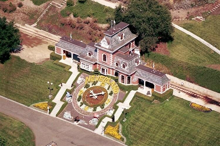 Продано маєток Майкла Джексона Neverland