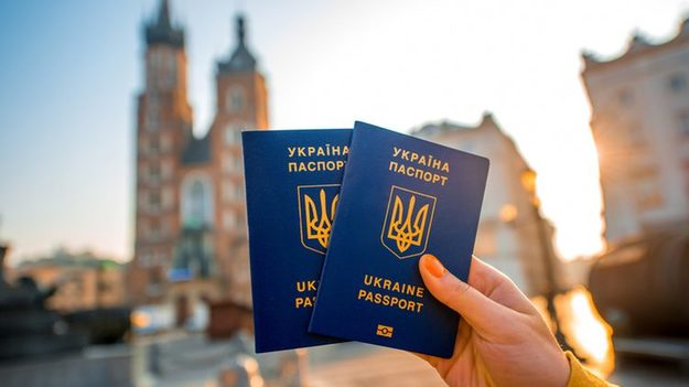 Майже 62 тис. українців офіційно працевлаштувалися за кордоном
