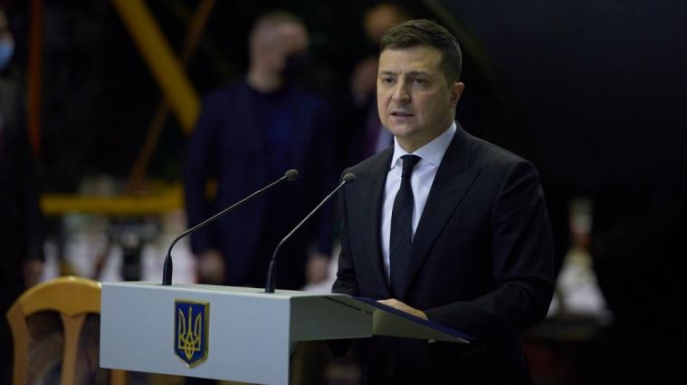 Президент України дозволив чиновникам працювати до 70 років