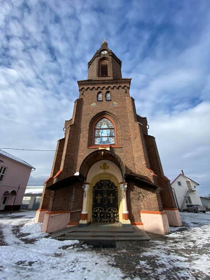Храм в Україні, де зібрані мощі понад 700 святих, можна побачити в 3D