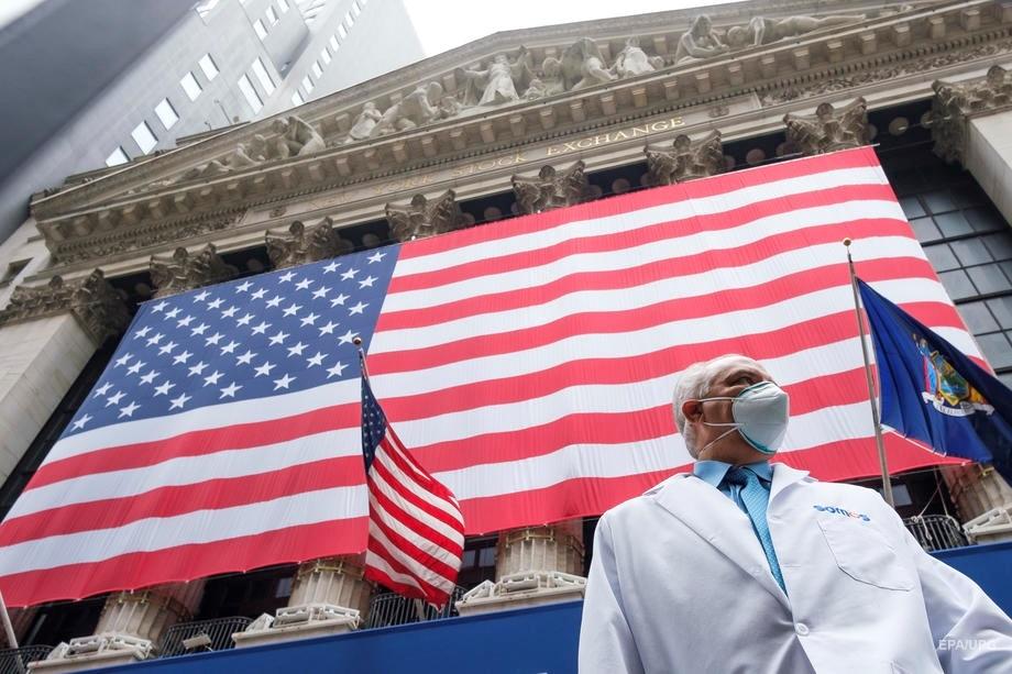 """Головний епідеміолог США попросила американців """"ще трохи протриматись"""""""