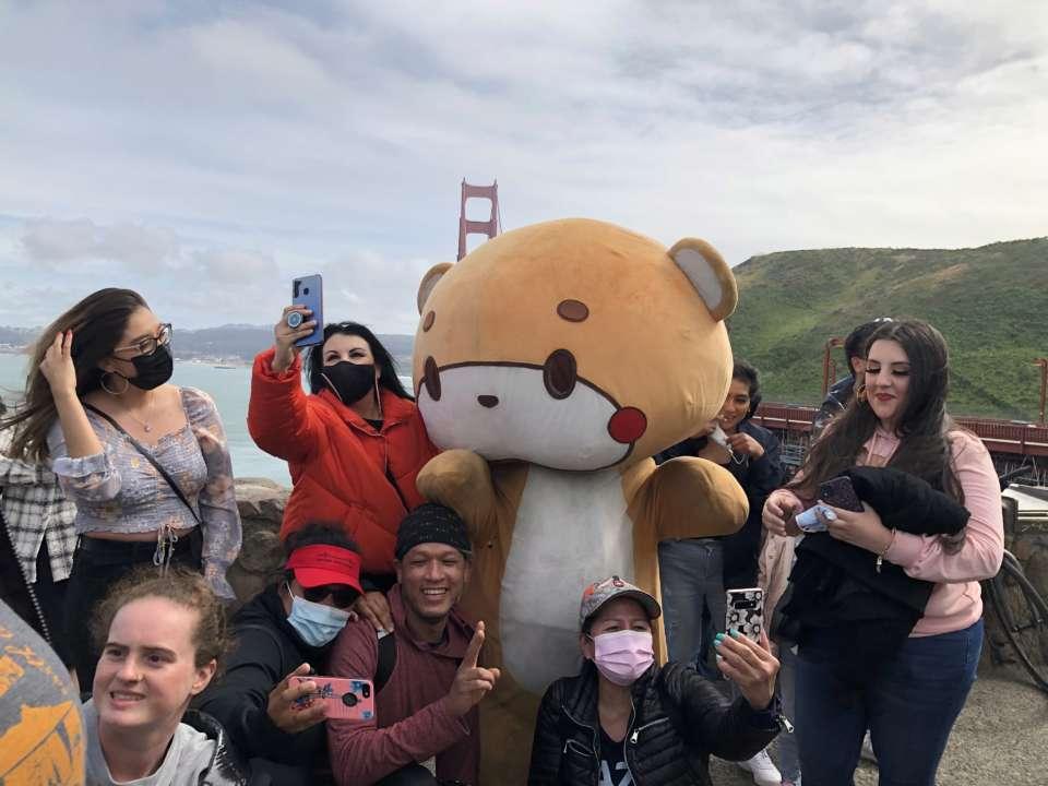 Американець пройшов 770 км в костюмі ведмедя-талісмана