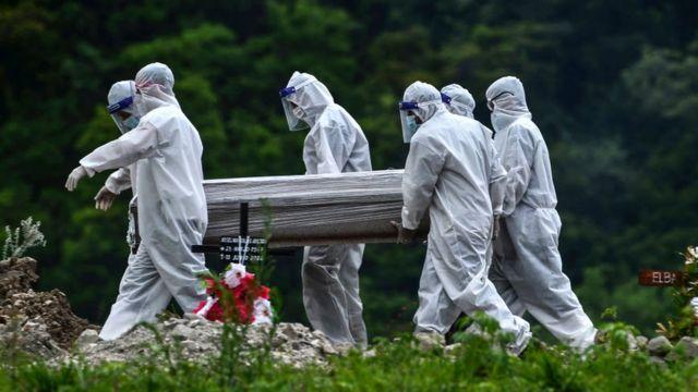У США роздаватимуть по $ 9 тис на поховання померлих від COVID-19