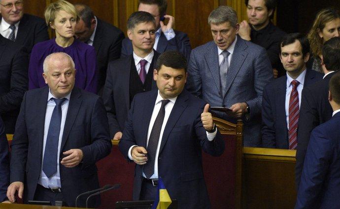Українці у три рази частіше стали звертатись за допомогою у депутатів