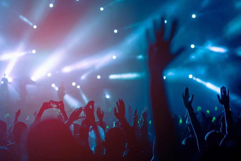 У Каліфорнії з 15 квітня відновлять проведення конференцій та концертів