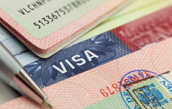 У США хочуть знову дозволити видачу віз для іноземних фахівців
