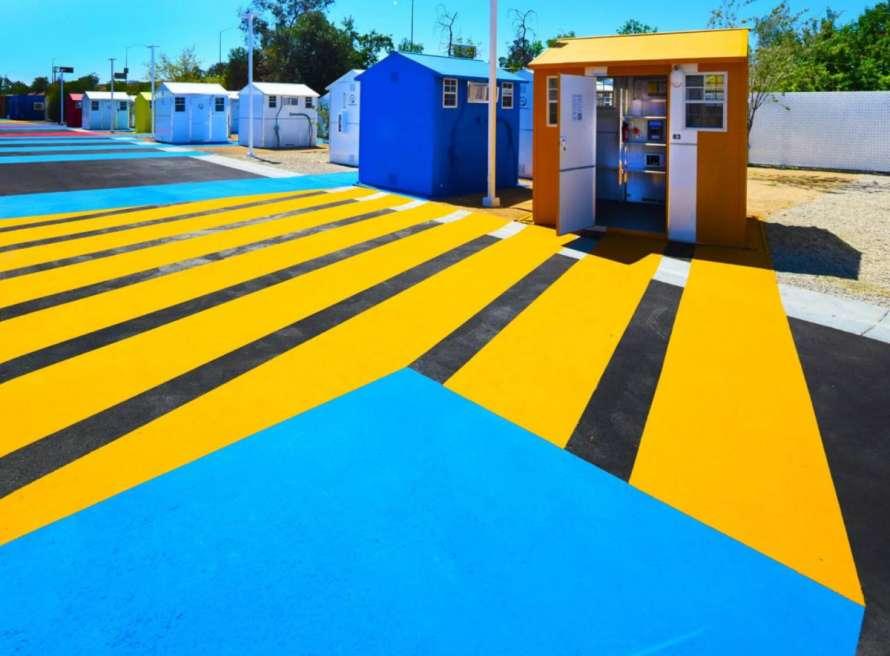 У Голлівуді побудували селище для бездомних