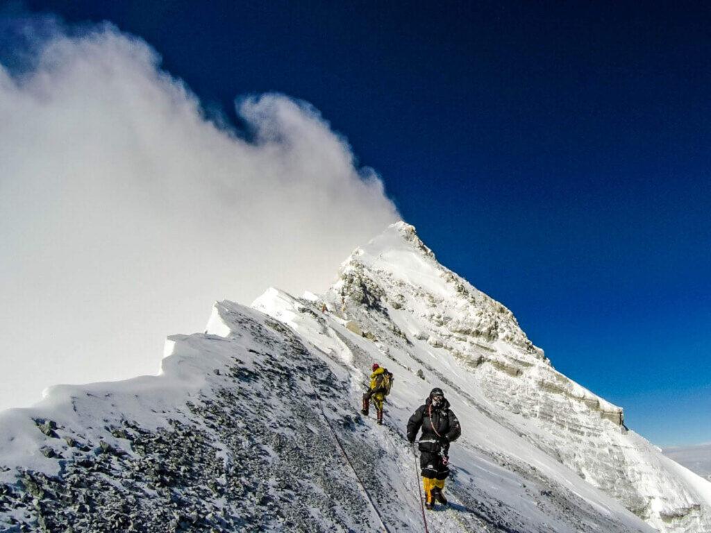 Українець встановив рекорд за кількістю сходжень на Еверест