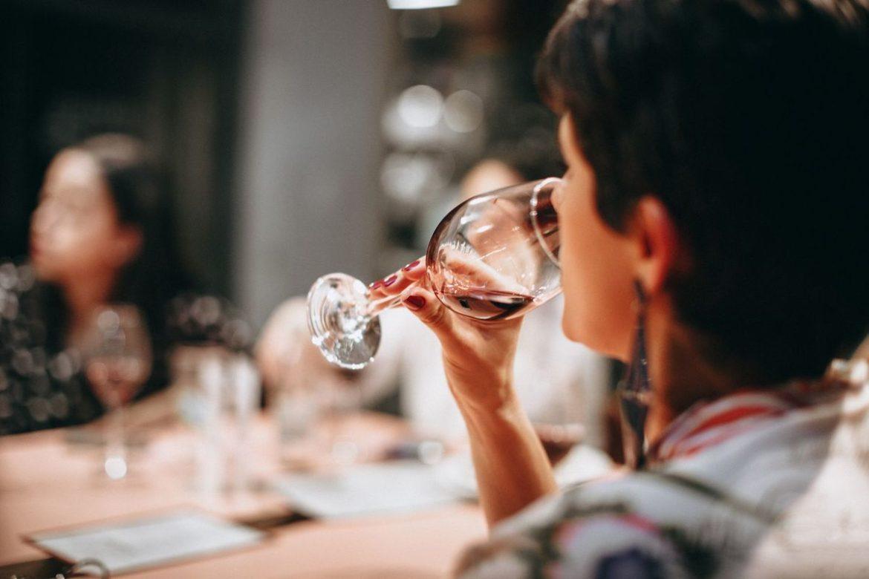 Після локдауну 6% українців стали більше вживати алкоголь