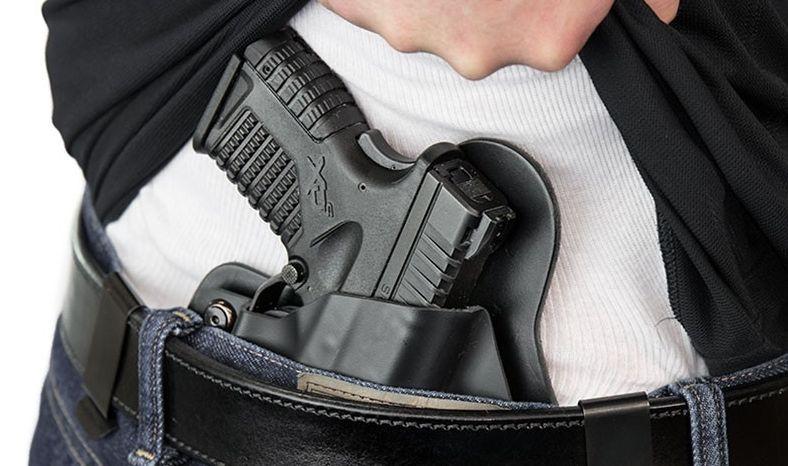 В Україні адвокатам хочуть дозволити носити травматичну зброю