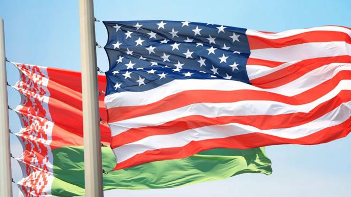 США заборонили продаж авіаквитків до Білорусі