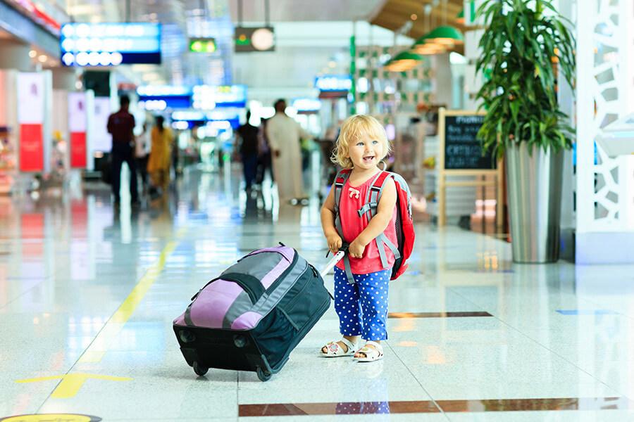 В Україні хочуть посилити правила вивезення дитини за кордон