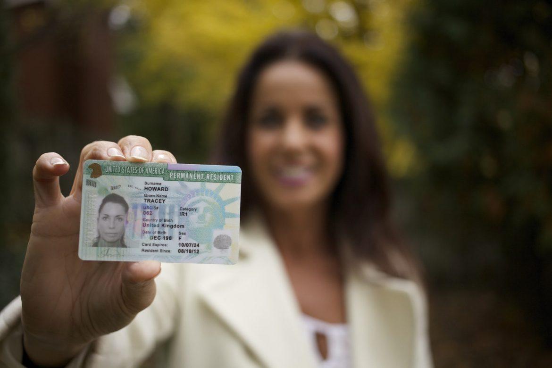 В США відновили видачі Green Card